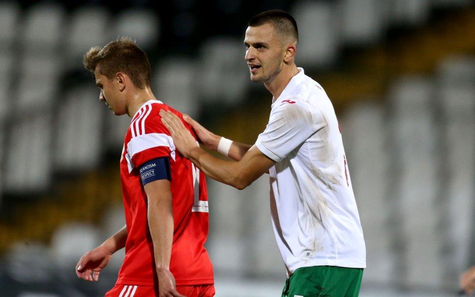 Младежките национали на Русия и България играят при резултат1:0в двубой