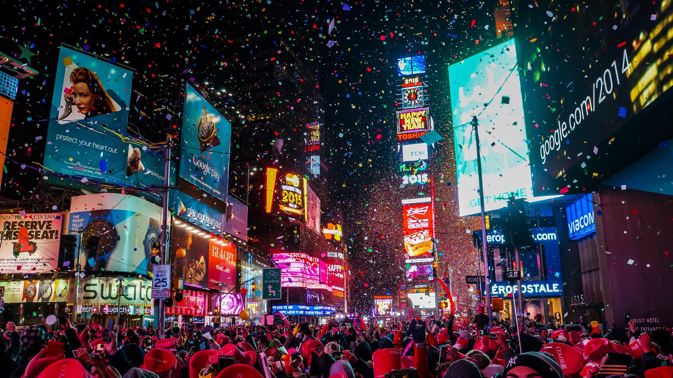 <p><strong>Ню Йорк</strong></p>  <p>От лудницата на бала в навечерието на Нова година на Таймс Скуеър, до най-ексклузивните партита по време на Седмицата на модата, Ню Йорк е прочут с партитата си.</p>