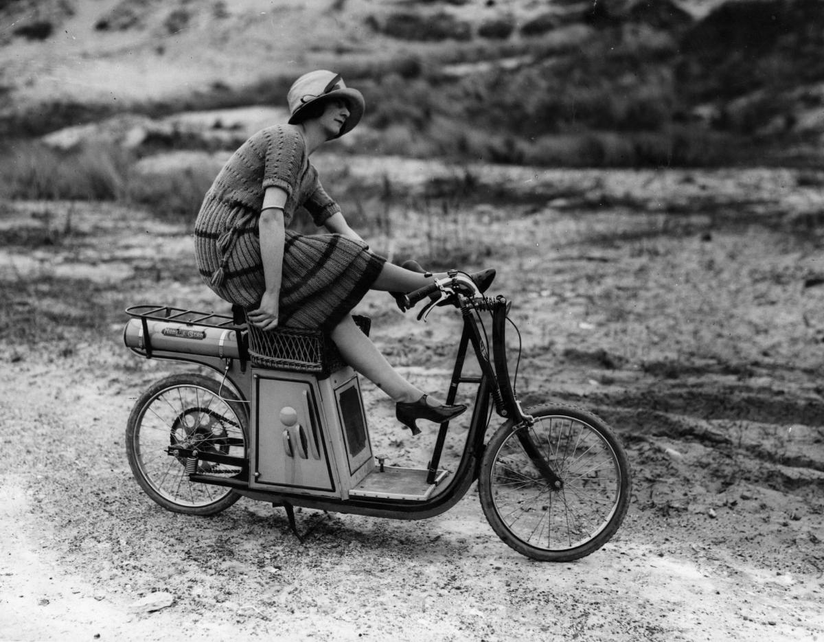 <p>Франция, 1921 година.</p>