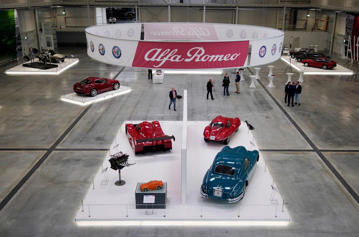 <p>Музеят на Technik Sinsheim е разположен в защитена индустриална сграда от 1913 г. Днес той е последна спирка на едни от най-големите и изчерпателни експонати на исторически превозни средства, мотоциклети, самолети, противопожарни автомобили и разбира се автомобили.</p>
