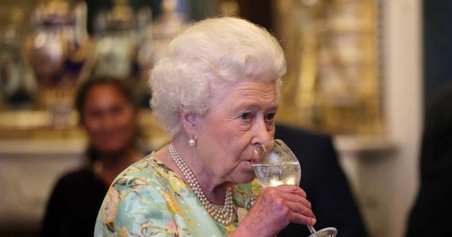 Оказва се, че кралица Елизабет Втора е имала личен бар