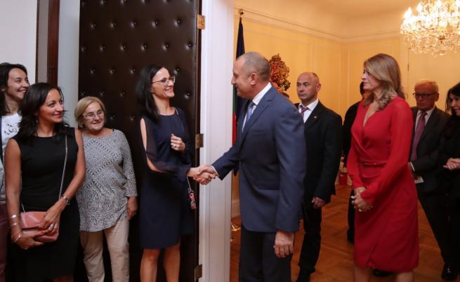 Президентът Радев с призив към българите в чужбина