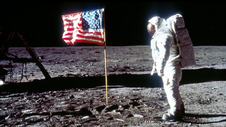 "<p>Защо мисиите до Луната триумфираха преди 50г., <span style=""color:#ffbc00;""><strong>а днес се провалят?</strong></span></p>"