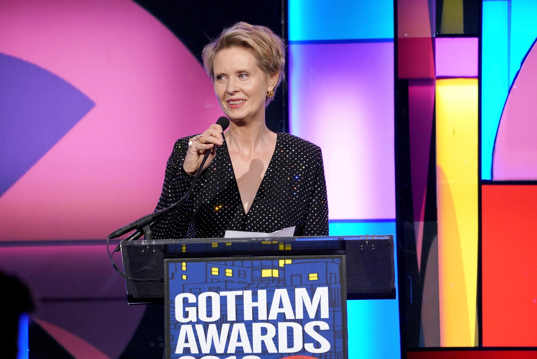 <p>Синтия Никсън</p>  <p>Звездата от &bdquo;Сексът и градът&ldquo; е диагностицирана с рак на гърдата през 2006 г.&nbsp;</p>