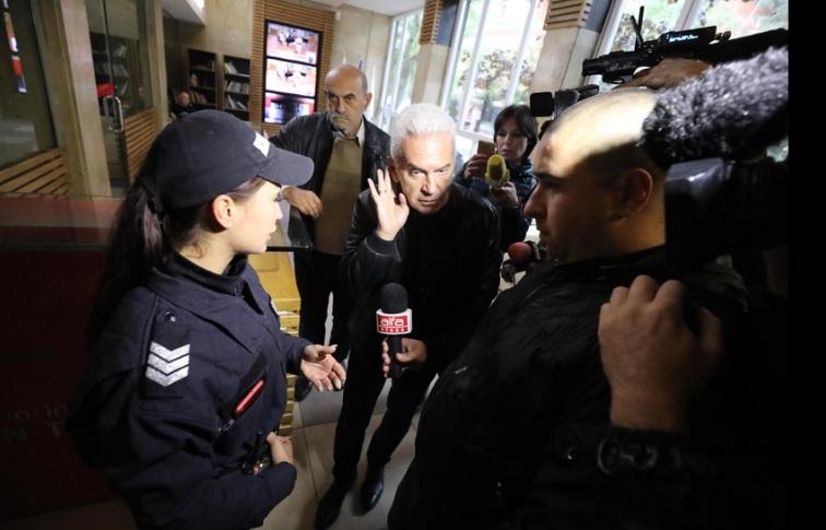 """Забраната ще е в сила, докато лидерът на """"Атака"""" не се извини писмено, казват от Националната телевизия"""