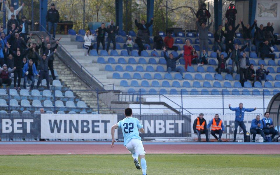 Дунав пуска в понеделник билетите за мача с Етър