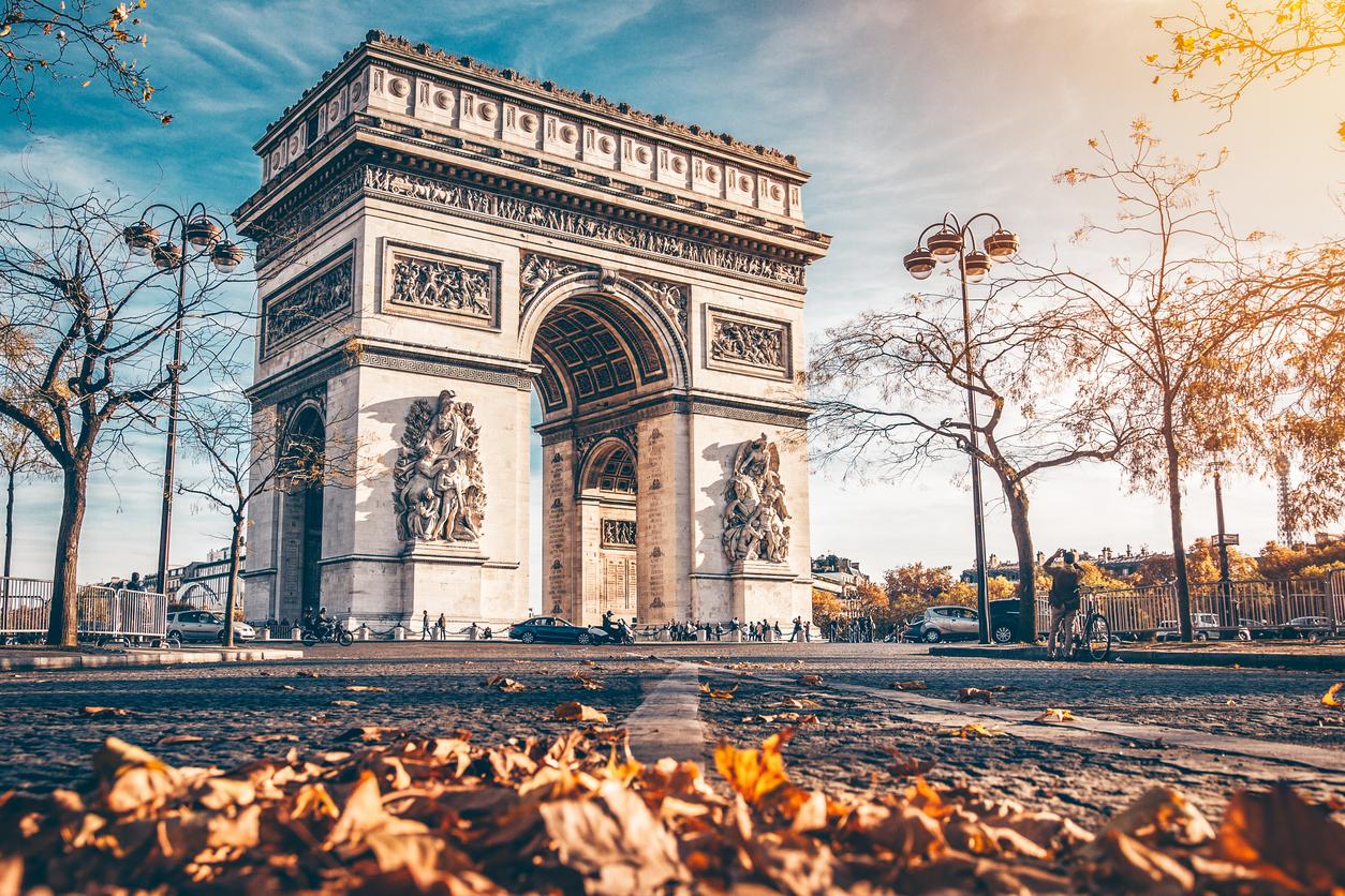 """<p align=""""center""""><strong>РАК &ndash; Париж, Франция</strong></p>  <p align=""""center"""">Френската столица ще пасне идеално на вашата емоционална и чувствителна натура. А Париж през есента е същинска приказка!</p>"""