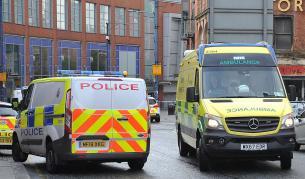 <p>Атака в мол в Манчестър, има ранени</p>