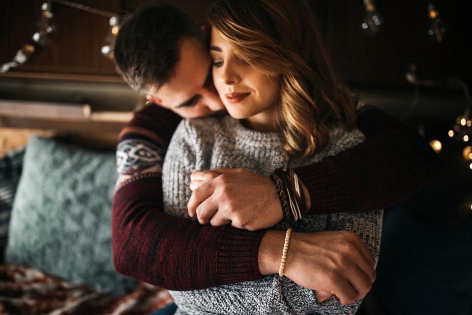 любов двойка есен зима уют