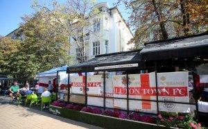 Стряскащи разкрития за починалия английски фен в София