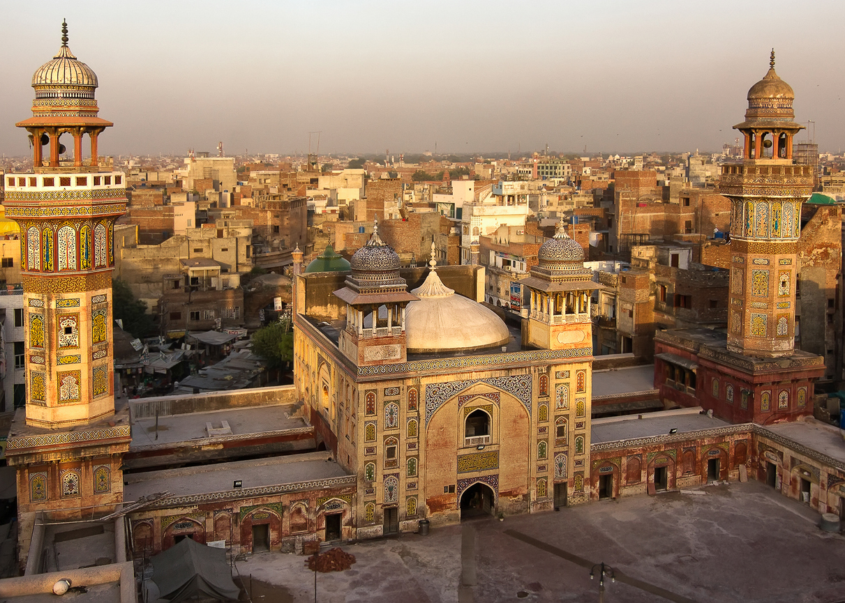 <p>На 28 май 2017 г. в Турбат, Пакистан е измерена рекордно висока температура - 54&nbsp;&deg;C.</p>