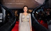 <p>Как <strong>Анджелина Джоли</strong> се снима с <strong>известна българка</strong></p>