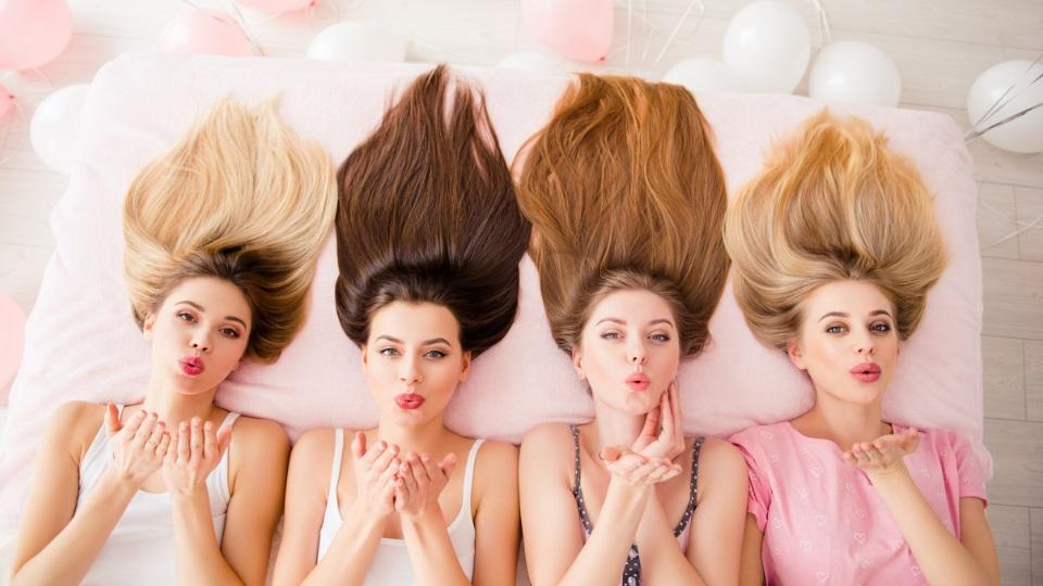 коса жени приятелки