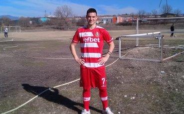 Футболист на Беласица замина на гурбет в Англия