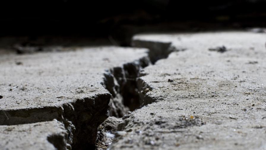 <p>Руски учени откриха разломи, допускат катастрофално земетресение</p>