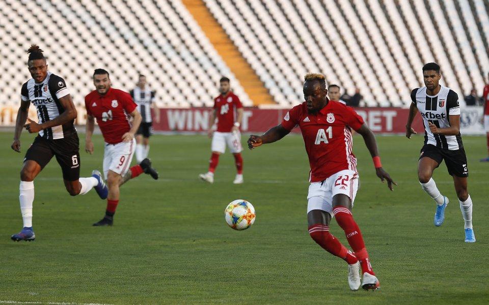 Ръководството на ЦСКА договори контрола с Кариана Ерден. Срещата ще