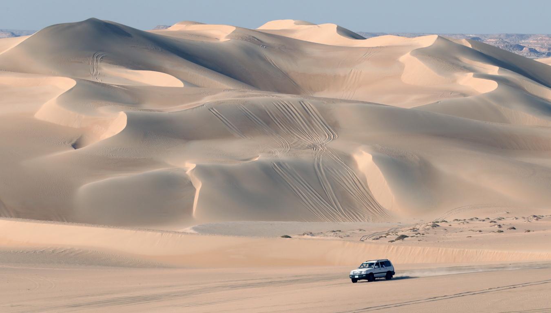 <p>Сафари в пустинята около оазисът Сива, Египет.</p>