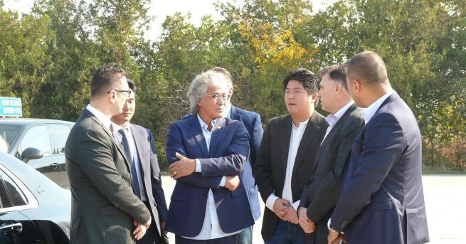 България Южнокорейски производител на електромобили в Плевен Той огледа потенциални
