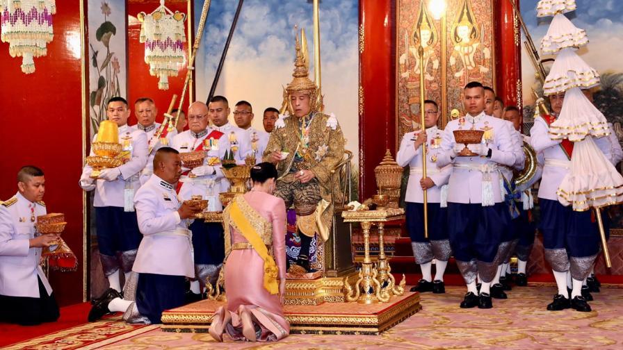 <p>Защо кралят на Тайланд&nbsp;<strong>наказа втората си съпруга&nbsp;</strong></p>