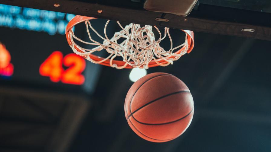 Силен старт на борбата за титлата на НБА