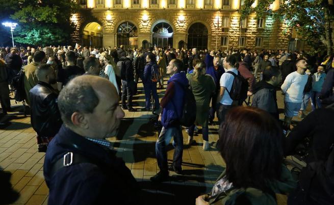 ВСС изпрати решението си на Радев, протестите продължават