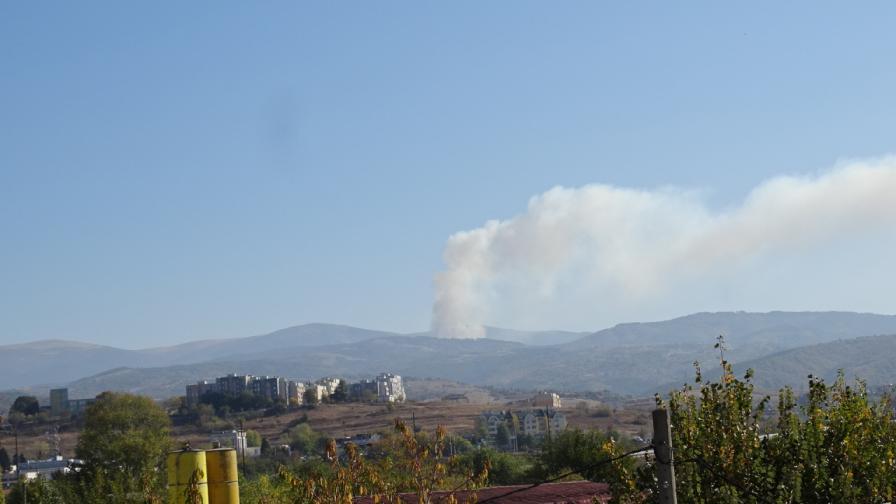 <p>Голям <strong>пожар гори в Рила</strong> планина</p>