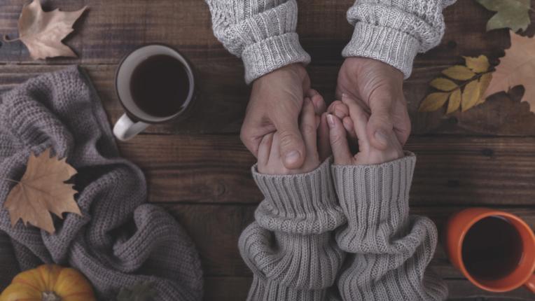 Останете си вкъщи: 12 романтични идеи за влюбени