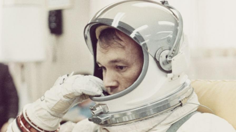 """<p>Човекът, който <span style=""""color:#ffbc00;""""><strong>стигна до Луната</strong></span>, но не стъпи на нея</p>"""