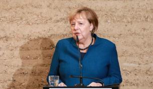 Меркел с мрачна прогноза, отправи предупреждение