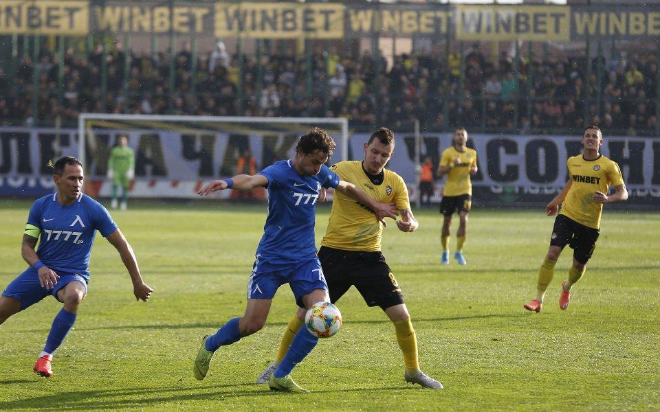 Ботев Пловдивприема Левски във втория съботенмачот 7-ия кръг на efbet