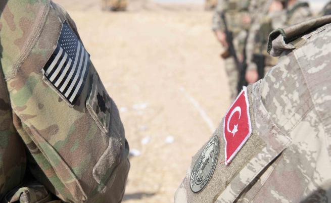 Турция експулсира джихадисти, какво прави ЕС