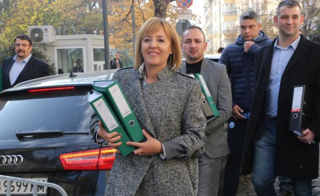 Мая Манолова внесе жалба за касиране на изборите
