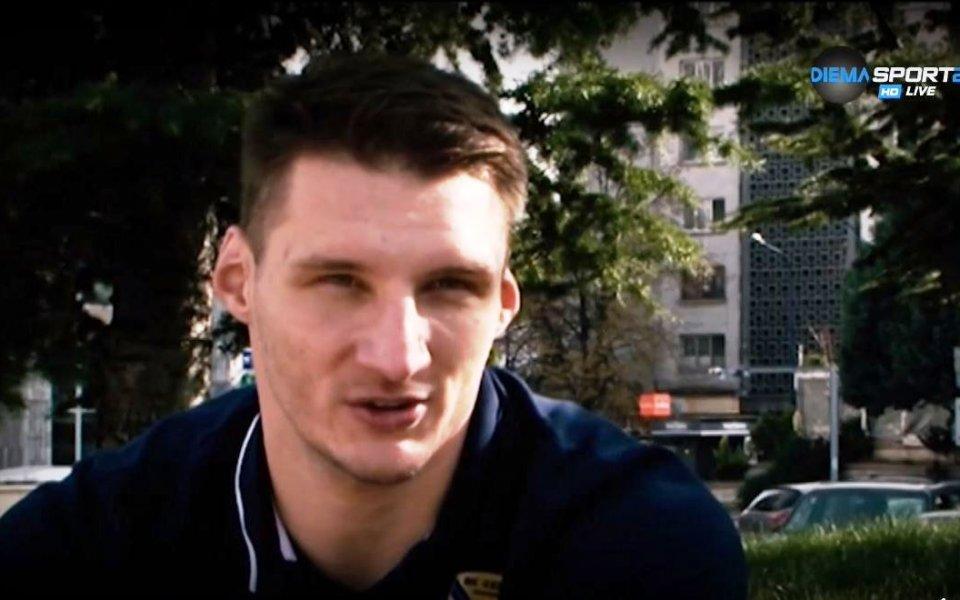 Хебър задържа македонец при себе си