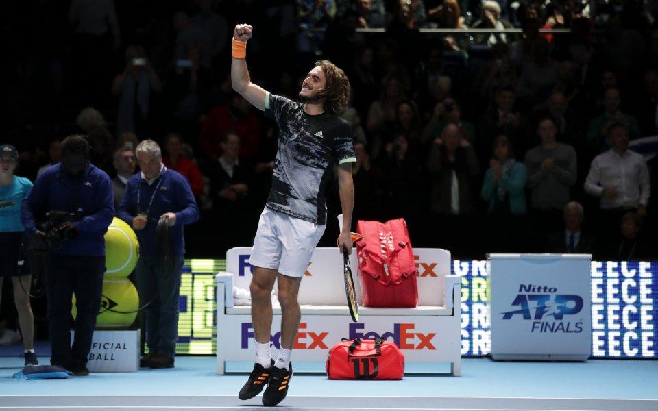 Гръцкият тенисист Стефанос Циципас продължава успешното си представяне на финалният