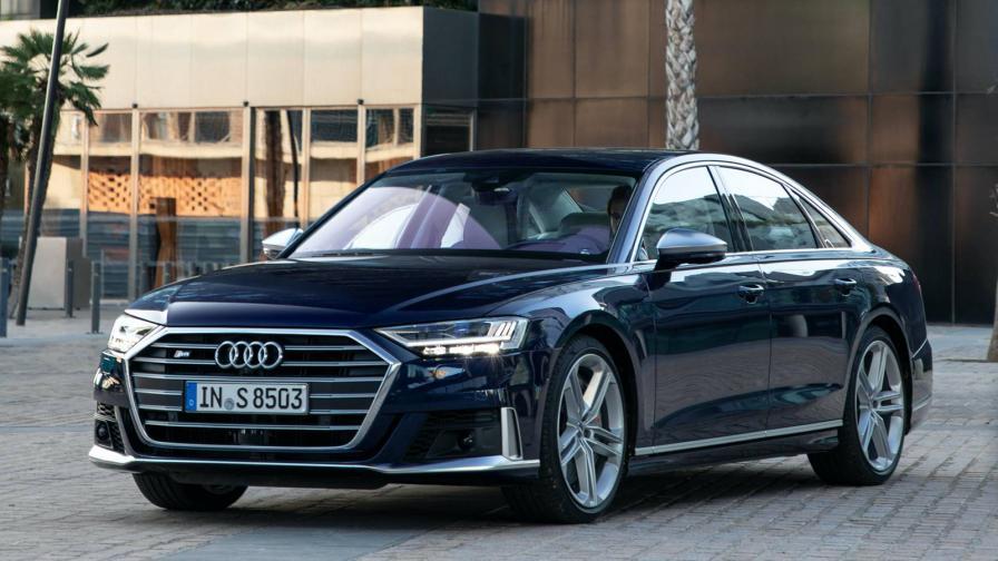 <p>Audi S8: лимузина с динамика на супер спортен модел</p>