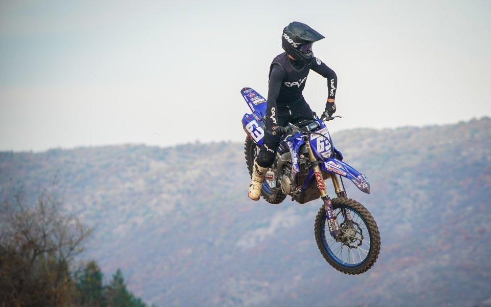 Над 10 000 човека изгледаха 63-ия пореден традиционен мотокрос в