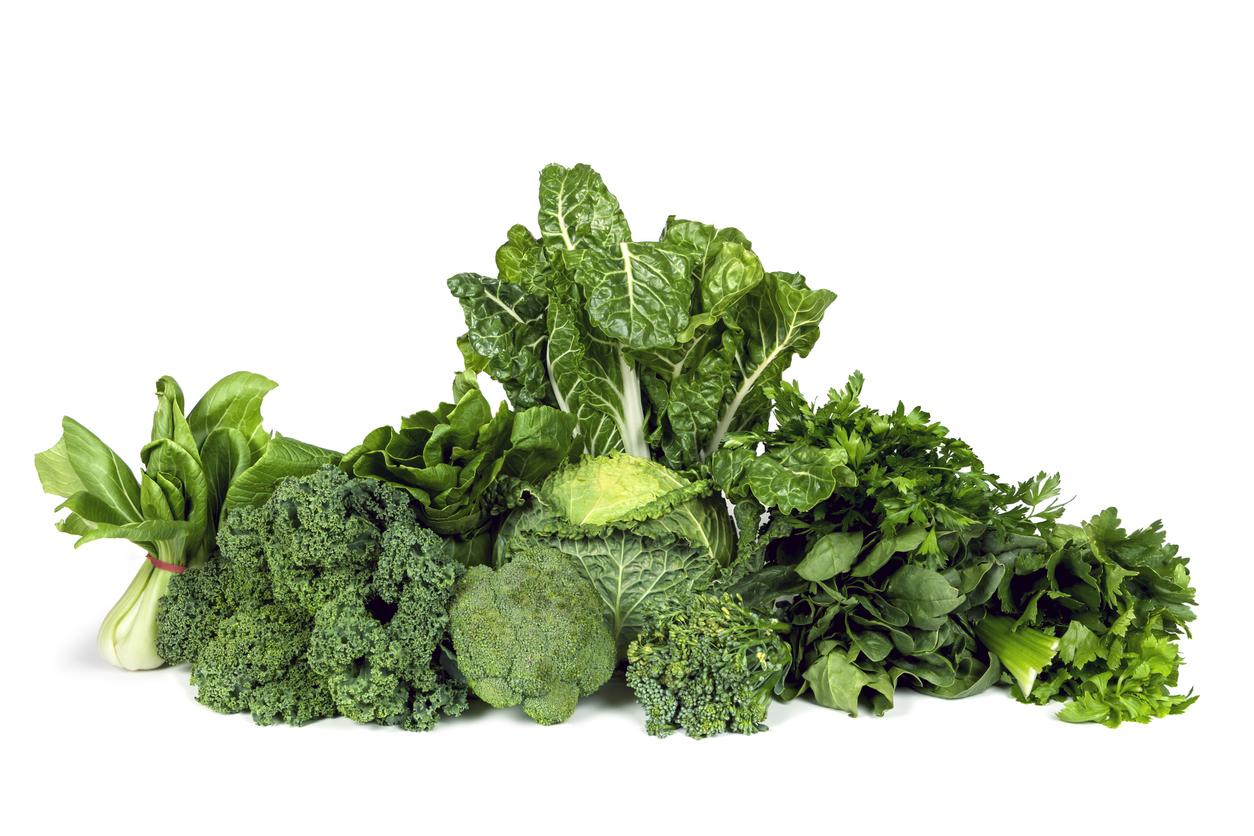 <p><strong>Листни зелени зеленчуци </strong></p>  <p>Те са богати както на лутеин, така и на зеаксантин и също са добър източник на полезен за очите витамин С. Това са например спанак и зеле.</p>  <p>&nbsp;</p>