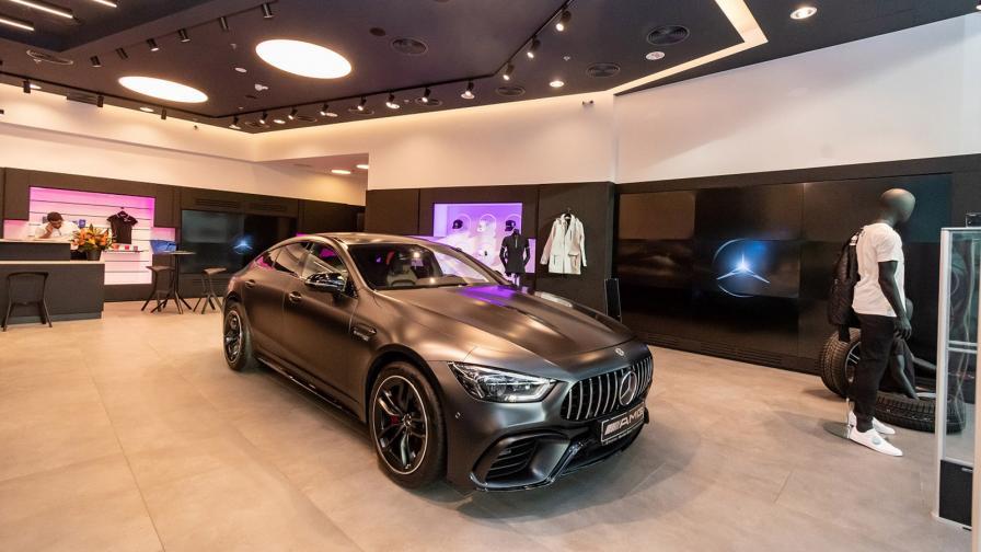 Mercedes откри луксозен бутик в столичен МОЛ