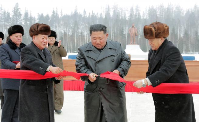 """Ким Чен-ун откри нов град – """"въплъщение на модерната цивилизация"""""""