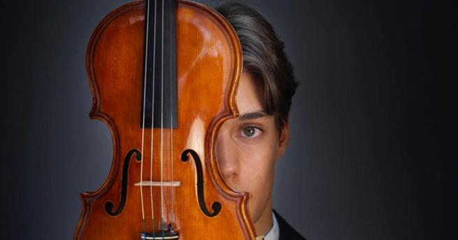Вдъхновени истории Този млад български цигулар печели награда след награда