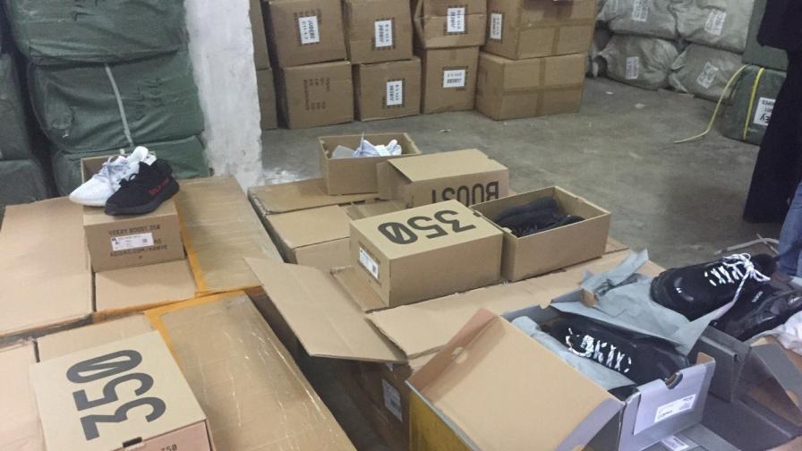 Задържаха фалшиви стоки от Китай за над 4 млн. лева
