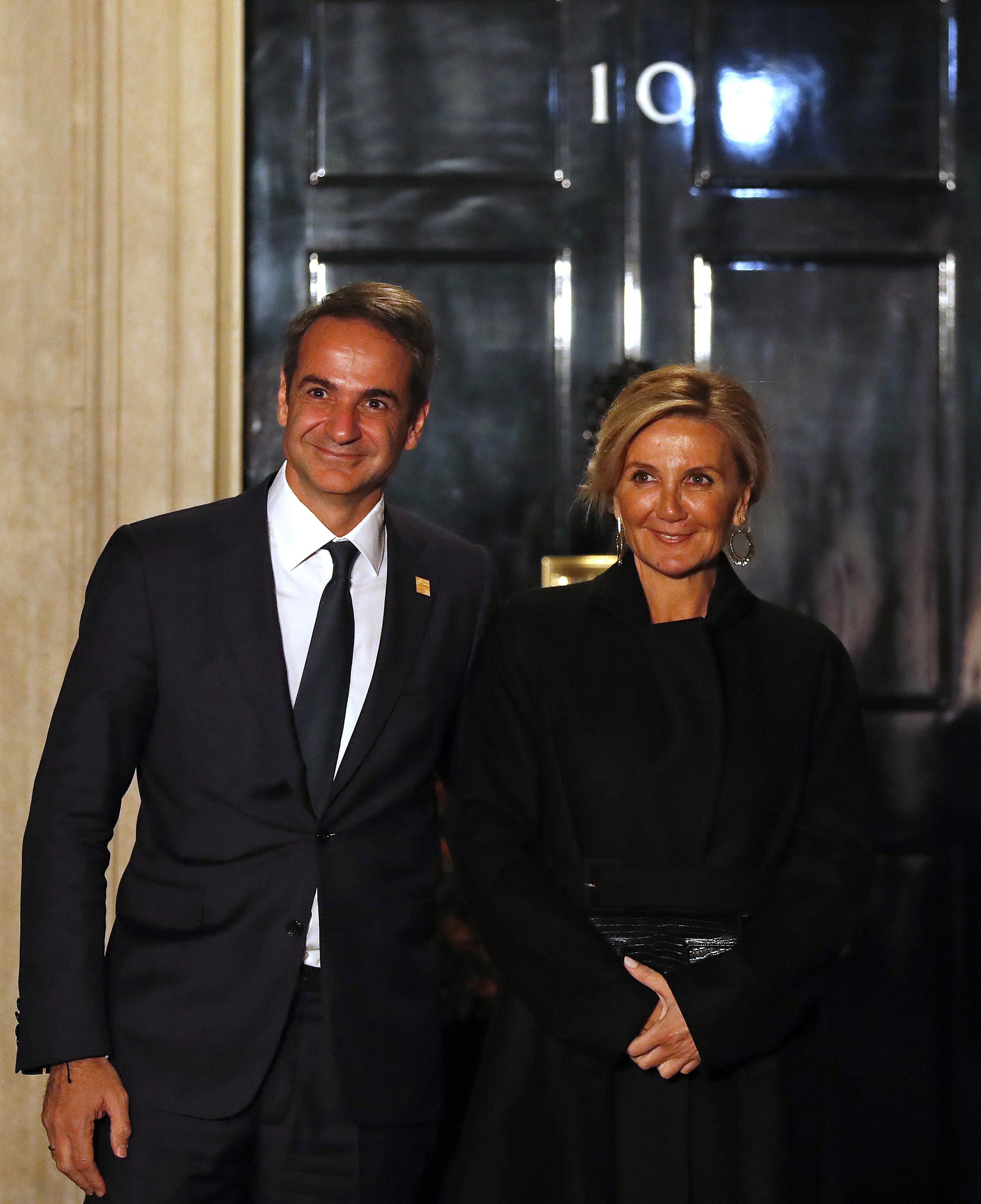 <p>Кириакос Мицотакис и съпругата му</p>