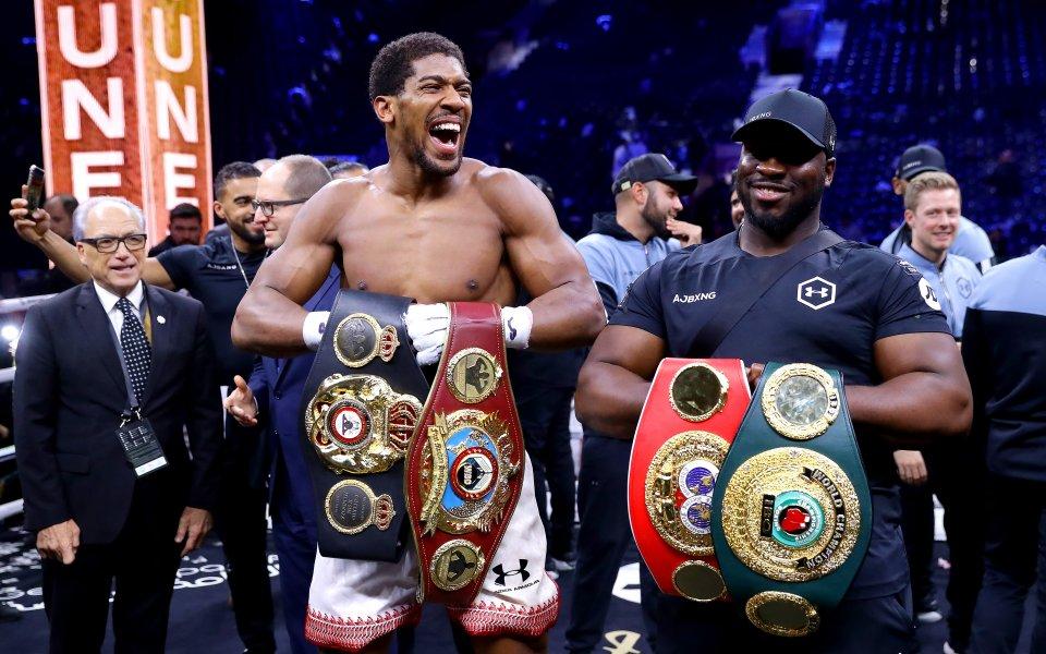 Световният шампион на WBA, WBO, IBF и IBO в тежка