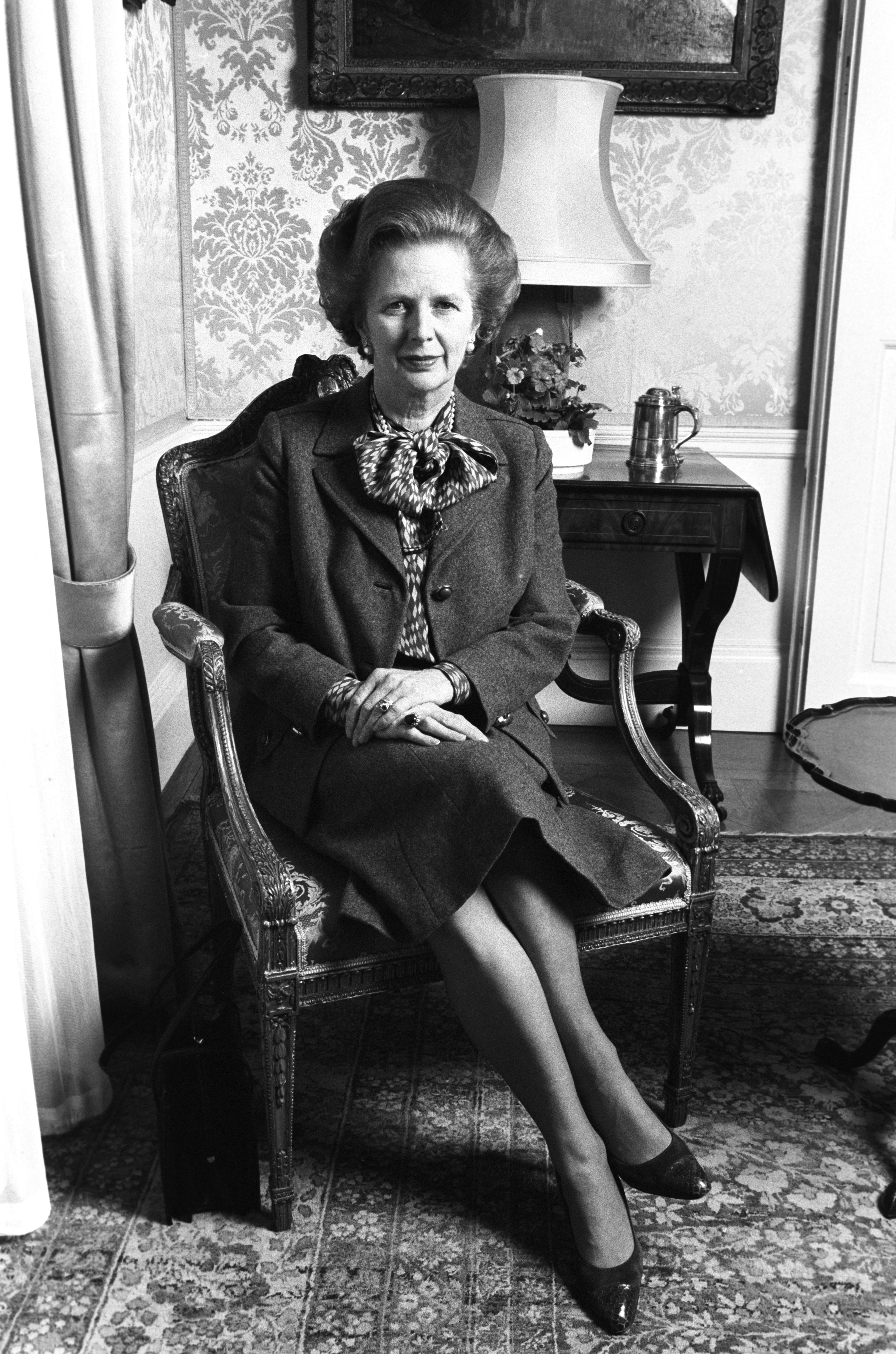 <p>Първата жена-премиер на Обединеното кралство. Известна като &quot;желязната дама&quot;, Маргарет Тачър е не само политически лидер, но и икона за стил и класа.</p>