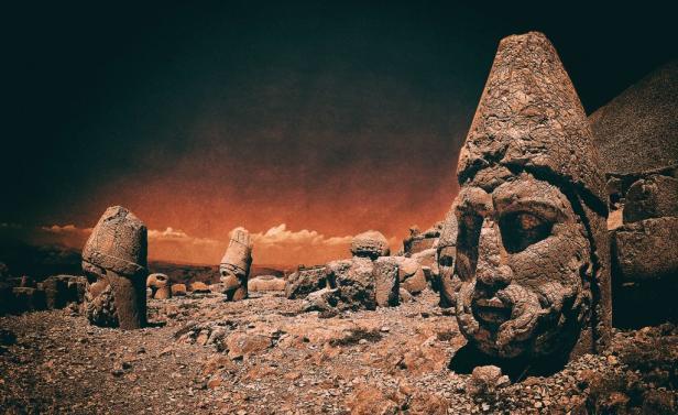 Каменни глави