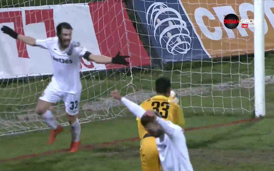 Димитър Велковски изравни резултата за Славия в последната минута от