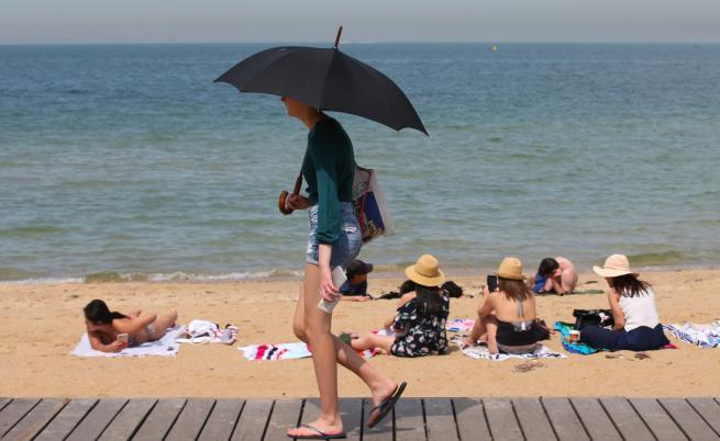 Жестоки горещини измъчват Австралия
