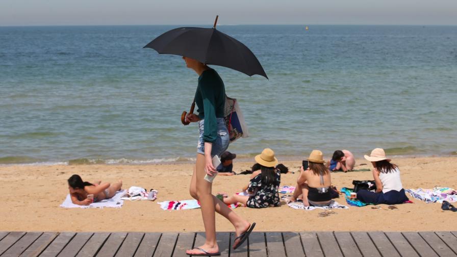 <p>Жестоки горещини измъчват Австралия</p>