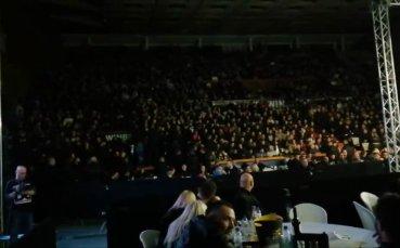 Синята лавина превзе с песни Универсиада