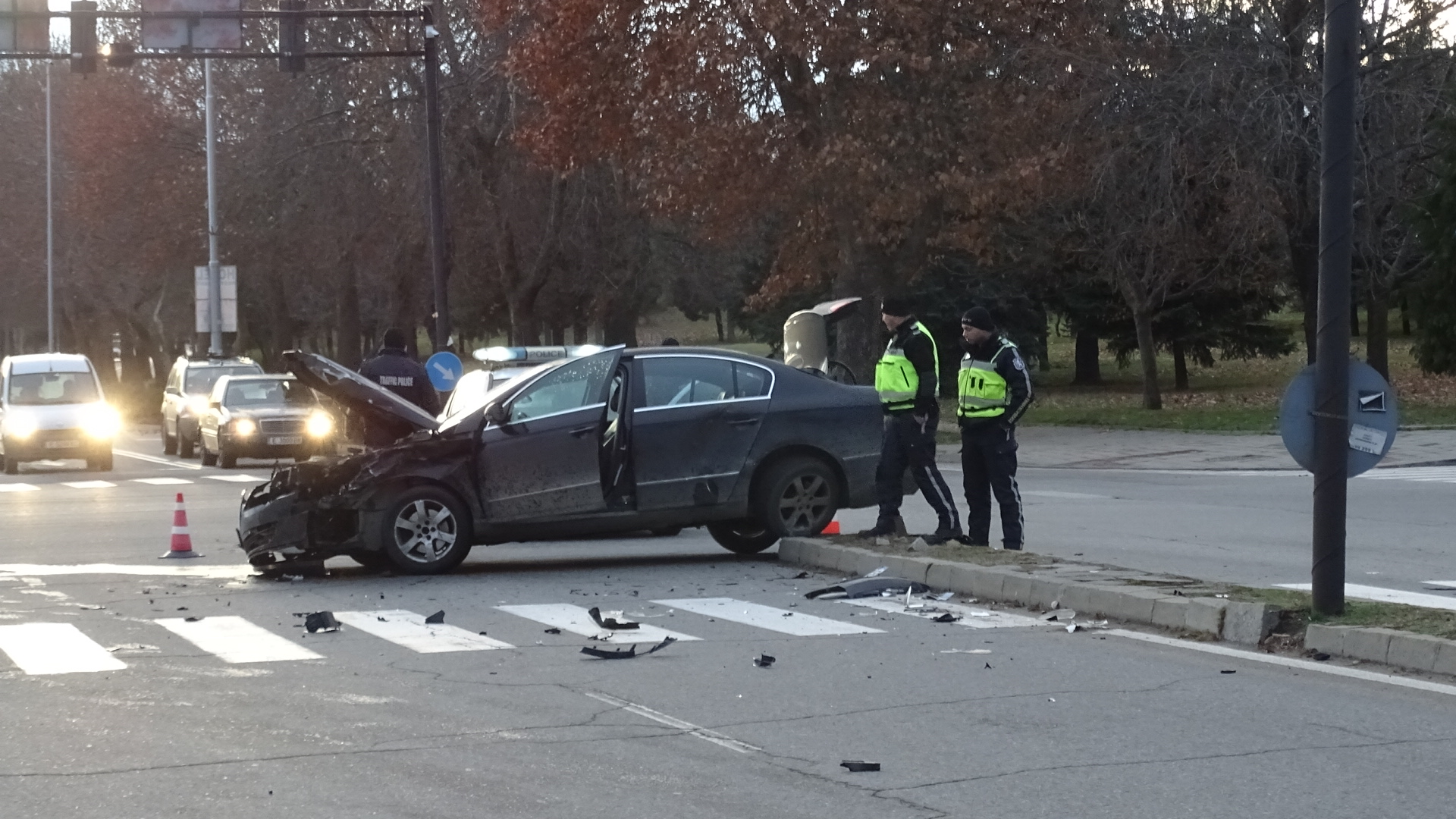 Инцидентът се е случил на кръстовище. Двете жени са в болница